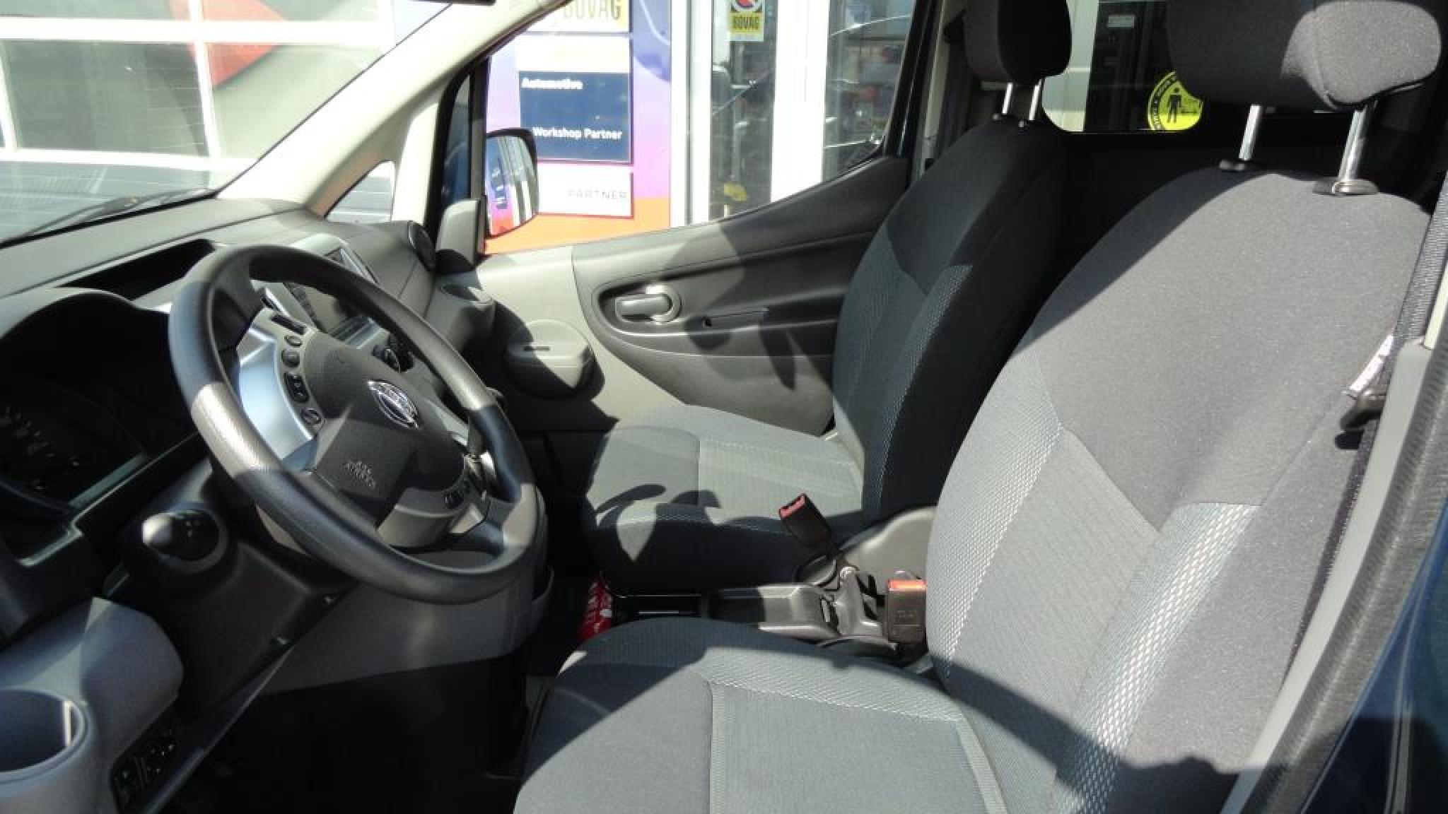 Nissan-NV 200 Evalia-10