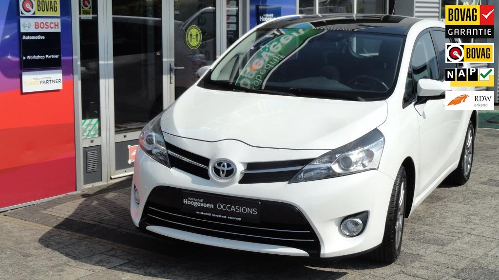 Toyota-Verso-thumb